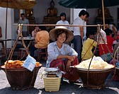 Thailand, Bangkok, dealer, straw hat, Sale, food,  no models release Asia, southeast Asia, roadside, woman, natives,  Thai, hat, headgear, baskets, fo...
