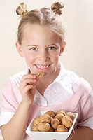 Girls, walnuts, portrait, eat,    Series, 6 years, child, blond, gaze camera, laughing, cheerfully, naturalness, peel, nuts, eat candy, nutrition heal...