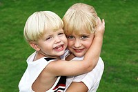 Children hugging each other