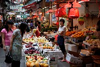 China, Hong Kong, Wanchai District,  Market stand, sale, food,  Women, no models release,  Asia, Eastern Asia, Hong Kong, city, city of millions, dist...