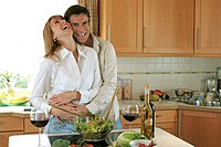 Kitchen, couple, cheerfully, embrace, salad,  Wine glasses, Halbporträt,   Series, 30-40 years, partnership, relationship, marriage, laughing, happily...