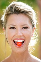 Woman, smiling, mouth, Cocktail-Tomate,  Portrait,   Series, women portrait, 20-30 years, 27 years, young, blond, gaze camera, cheerfully, happily, ra...