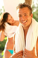 Man, happily, smiling, upper bodies free,  Towel, background, woman, hair,  dry, portrait, fuzziness,  Series, couple, 20-30 years, blond, brunette, p...