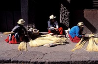 Ecuador, Cuenca region, making of the famous Panama hat