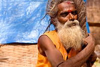 Nara Simha, a saddhu living in Sri Sailam redoing his dreadlocks in front of his tent. ( Nara Simha, literally 'men lion' )