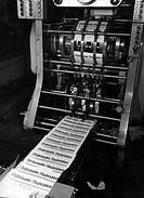 Industrie historisch, Druck, Zeitungsdruck, um 1950, Düsseldorfer Nachrichten, Zeitung läuft vom Band, Druckerei, Maschine, Presse, ,