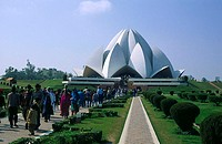 Tourists in front of temple, Lotus Temple, New Delhi, India