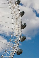UK, London. London Eye ferris wheel