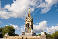 UK, London. Kensignton. Kensington Gardens. Albert Memorial