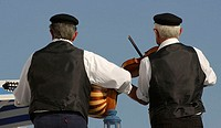 Greece, musicians, back-opinion, no models seniors, Greeks, string instruments, music, folklore, clothing, headgear, release, men, two, music-instrume...