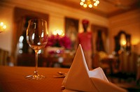 India, Rajastan, Jodhpur, restaurant, table, detail, napkin, glass, background, waiters, fuzziness, Asia, South-Asia, Umaid Bhawan Palace, gastronomy,...