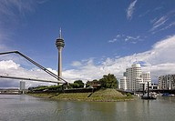 Germany, North Rhine-Westphalia, Düsseldorf, media-harbor, Gehry-Häuser, Rhine-tower, bridge, no property release, city, city-opinion, skyline, Rhine-...