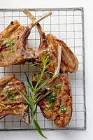 Grilled lamb cutlets with herb oil and rosemary (thumbnail)