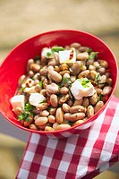 Bean salad with goat's cheese