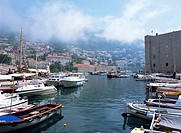 Croatia, Dubrovnik, Old Town, City Wall, Harbour, Mincheta fortress, Minceta, Mist
