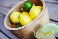 Close-up of lemons in a bowl