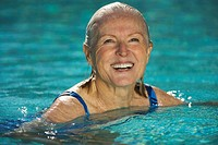 Senior Woman Swimming in Pool (thumbnail)