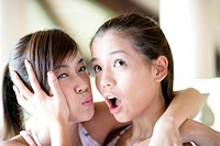 Young women with surprised expression (thumbnail)