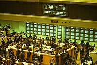 High angle view of a large group of people standing in stock exchange, Tokyo Stock Exchange, Tokyo Prefecture, Japan
