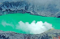 Costa Rica, Poas Volcano National Park, crater (thumbnail)