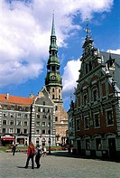 Latvia, Riga, City Hall square with House of Blackheads and St Peter's church