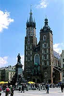 Poland, Kracow, market place, Adam Mickiewicz Monument and Notre Dame Church
