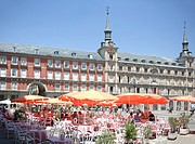 Spain, Madrid, Plaza Mayor, cafe, outdoors