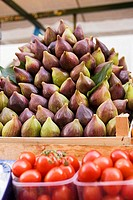 Figs and tomatoes at a market