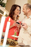 Couple drinking wine together (thumbnail)
