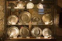 Plates on display in the Old synagogue, Call (Jewish Quarter), Barcelona, Spain