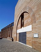 Entrance to Museo Nacional de Arte Romano de Mérida (National Museum of Roman Art), building by architect Rafael Moneo. Mérida. Badajoz province, Extr...