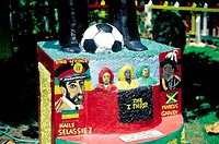 Jamaica, Kingston, Bob Marley house, monument by Jah Bobby (thumbnail)