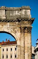 The Arch of Sergius, the Arch of the Sergii, Pula, Croatia, Europe