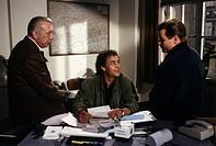 Fernsehserie Derrick Folge Dr  Schönes starkes Interesse 1990 Szene mit: Horst Tappert, Fritz Wepper Christian Kohlund Fernsehen Serie Krimi Harry Ste...