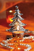 Silvery christmas tree candle holder with tealight