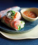 Spring rolls filled with shrimps, vegetables & rice noodles