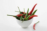 Red and green chilli peppers (thumbnail)