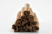 A pile of cinnamon sticks