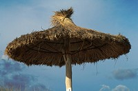 Sunshade made of straw