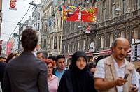 Istiklal Caddesi (´Independence Street´), Istanbul´s main shopping street in Beyoglu quarter. Istanbul, Turkey