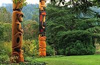 Totem poles, Butchart Gardens, Victoria, Vancouver Island, British Columbia, canada