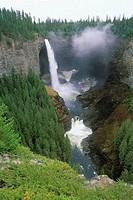 Wells Gray Provincial Park, Helmcken Falls, British Columbia, Canada