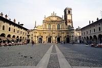 europa, italia, lombardia, vigevano, piazza ducale, il duomo