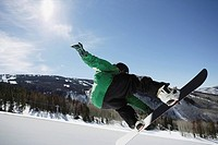 Snowboarder Riding a Half Pipe (thumbnail)