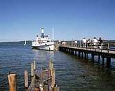 Germany, Diessen am Ammersee, Ammer Lake, Alps Foreland, Upper Bavaria, Bavaria, shores of the Ammer Lake, excursion ship at the landing stage, touris...