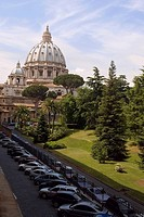 Garden in front of a church, St  Peter's Square, St  Peter's Basilica, Vatican, Rome, Italy