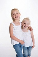 Portrait of two blond girls (thumbnail)