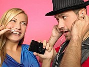 Couple with MP3-player