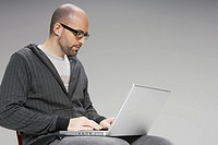 Man using a laptop computer