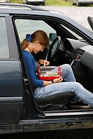 Girl, with, Roborovski, Hamster, in, box, in, car, Phodopus, roborovskii,